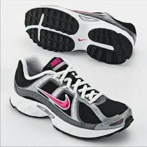 Nike Women's Compete 2 Black and Pink Shoes